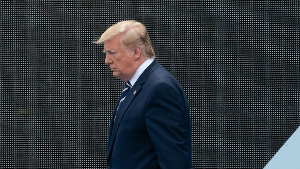 Timeline of Trump's illness confounds experts, but it's clear he 'knowingly exposed people' to COVID-19